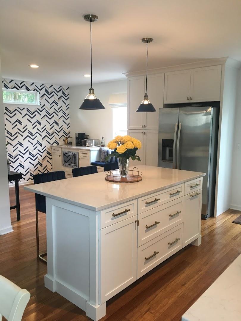 Kitchen Cabinets Raleigh Transitional Savannah1 Alpine Shaker Crown Island Quartz